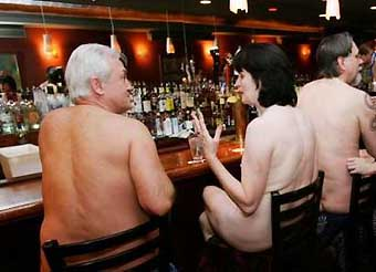 "The image ""http://www.enaturist.com/news_archive/nudist_dinner.jpg"" cannot be displayed, because it contains errors."