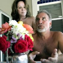 http://www.enaturist.com/news_archive/nudist_holiday.jpg