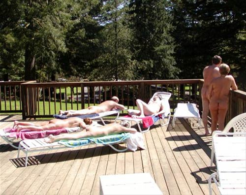 "The image ""http://www.enaturist.com/news_archive/oregon-nudists2.jpg"" cannot be displayed, because it contains errors."